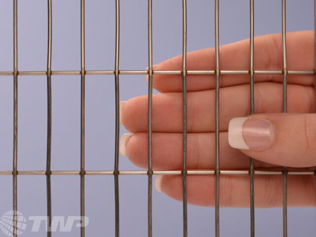 T304 Welded Stainless Steel 1 1 2 X 1 2 Wire Mesh